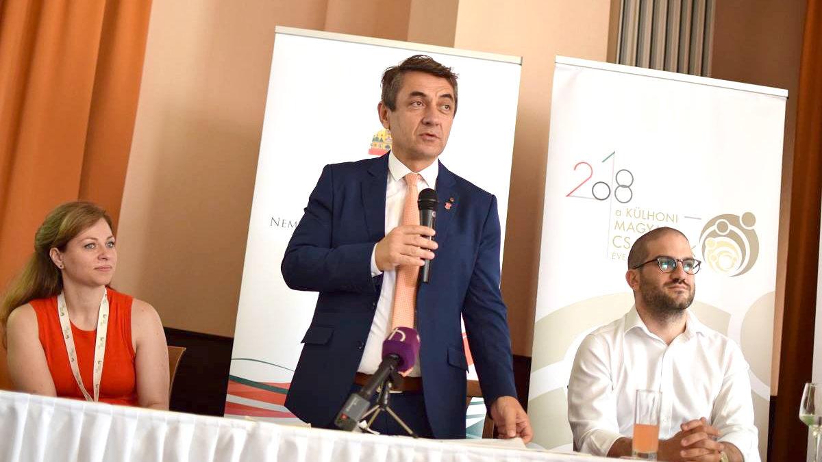 A kormány támogatja a szülőföldön maradó Kárpát-medencei vállalkozásokat