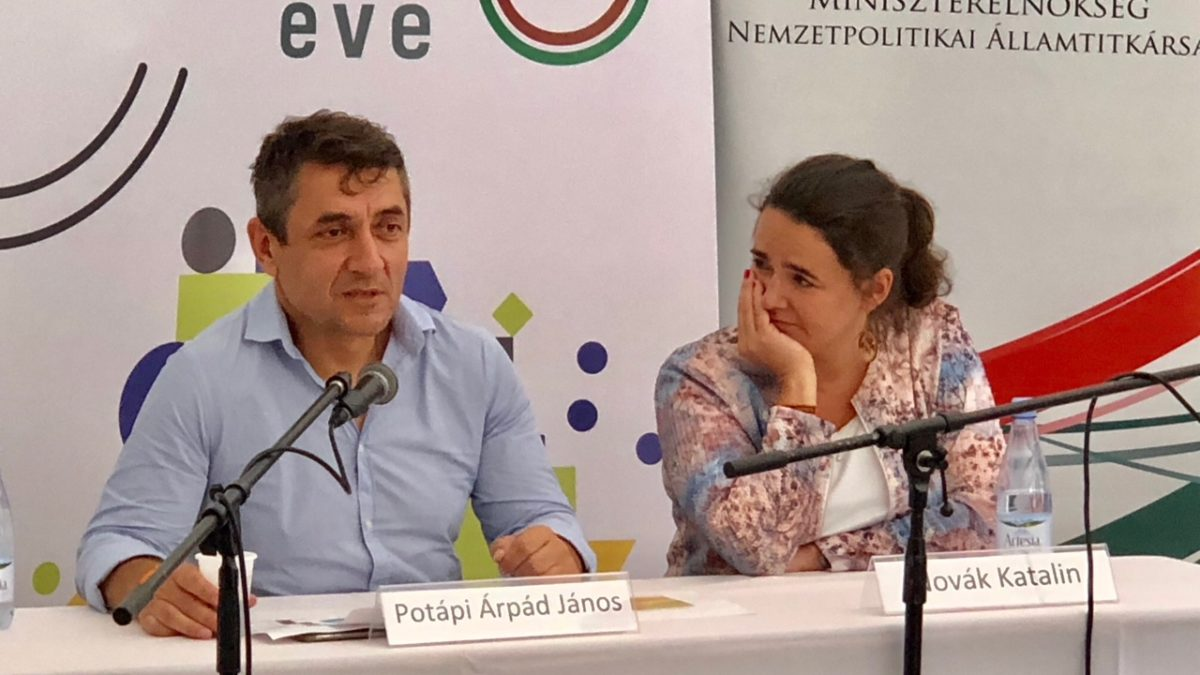 Potápi Árpád: segítjük a családbarát szervezeteket
