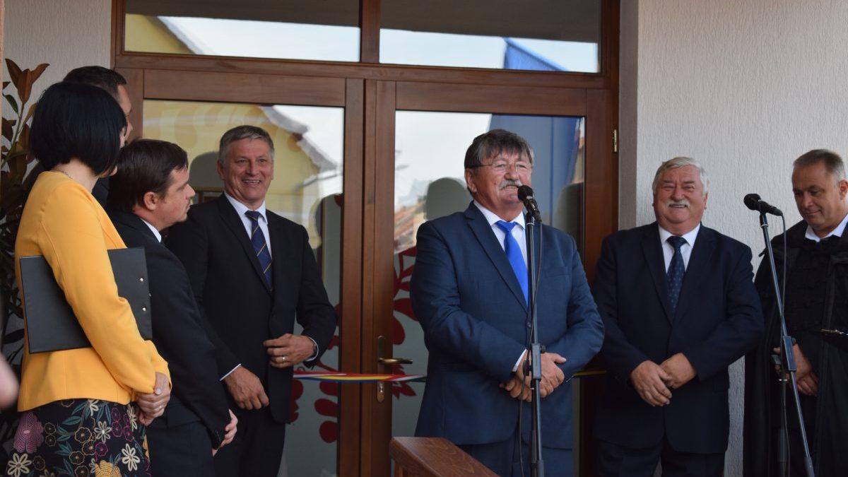 Átadták a magyar óvodafejlesztési program keretében épített első erdélyi óvodát