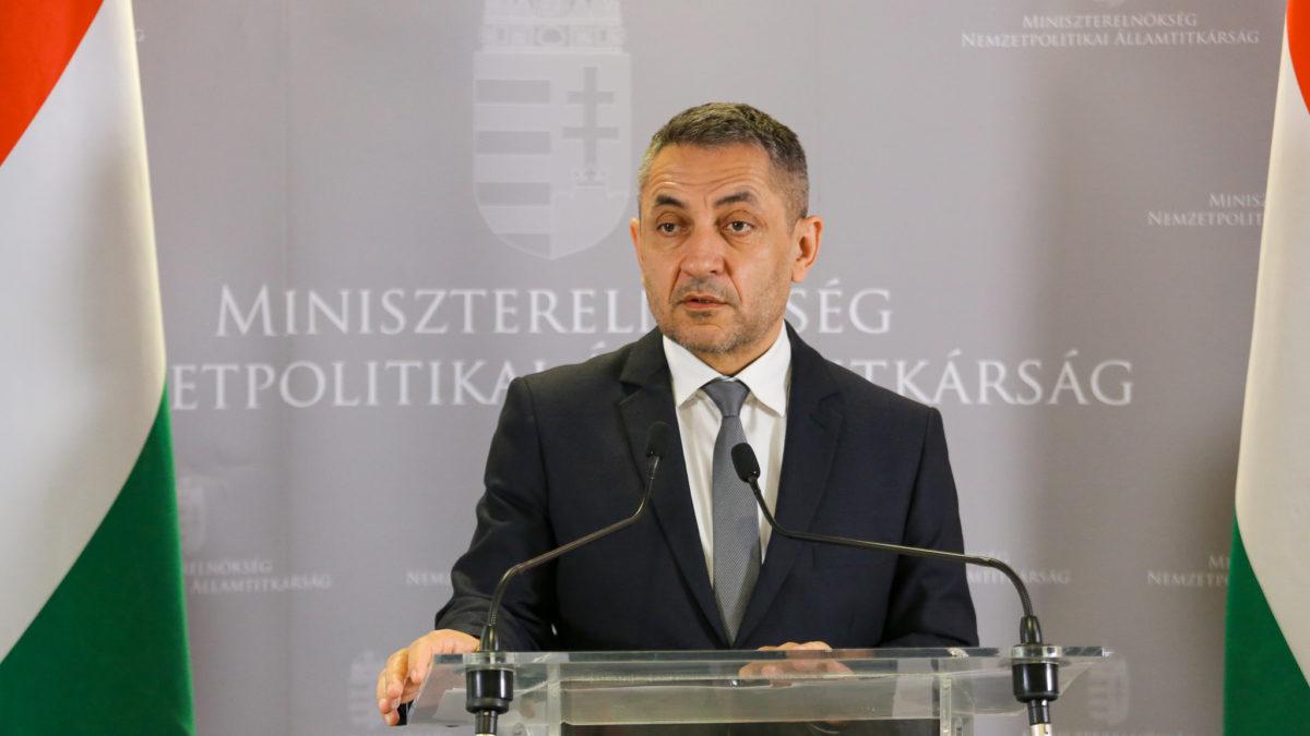 Potápi Árpád János: Magyar szemmel címmel fotópályázat indul